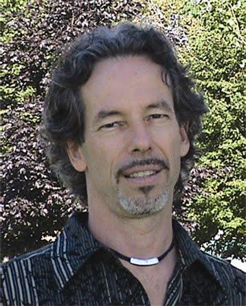 Daniel Chabot, M.A. en psychologie, professeur de psychologie, auteur et Neurothérapeute